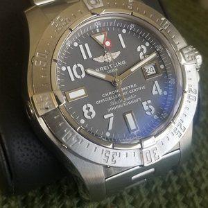 Breitling Avenger Seawolf 45mm Automatic Men Watch